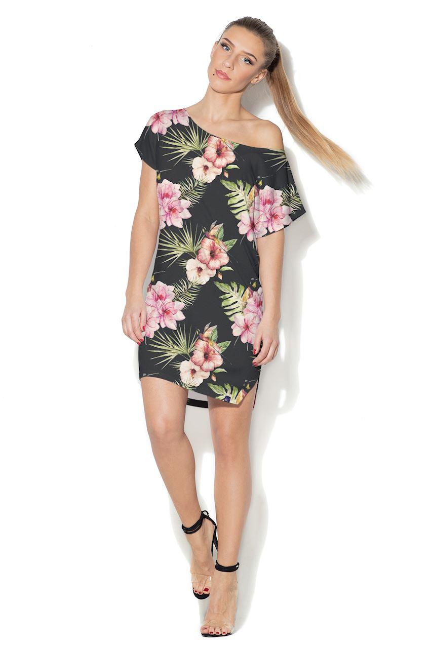 Czarna sukienka mini z dużymi kwiatami